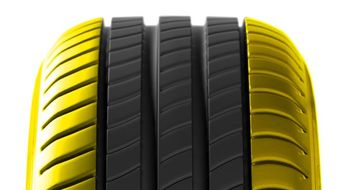 Tread: Wear on Both Edges of Tyre